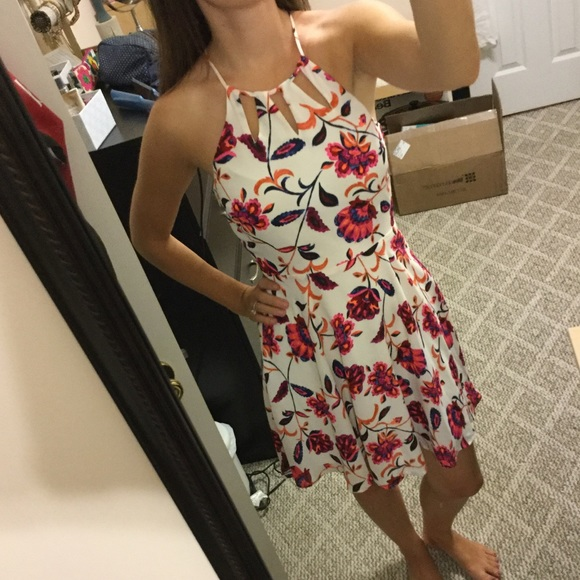 Express Dresses & Skirts - NWT Bright floral dress